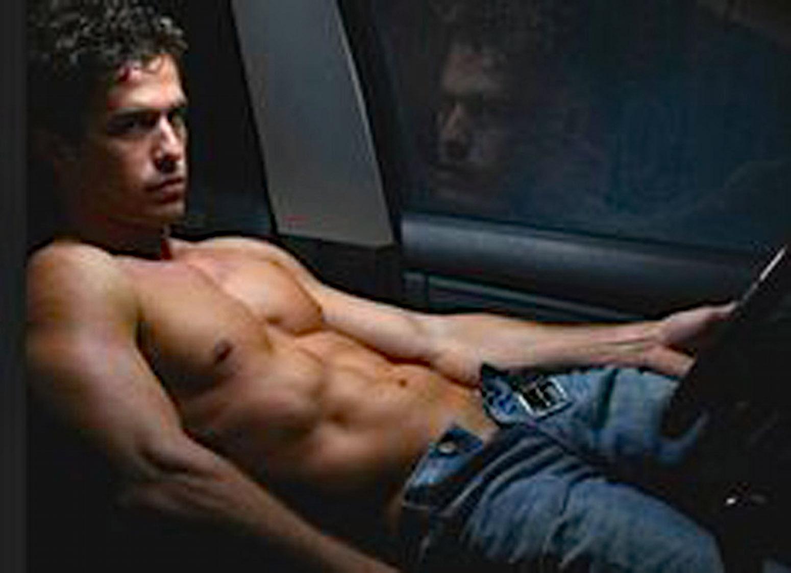 Сайты парней по вызову, Парни по вызову в Москве Реклама на сайте 21 фотография